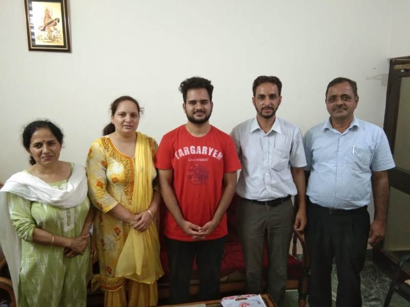 Sanchit & His Parents MBBS1